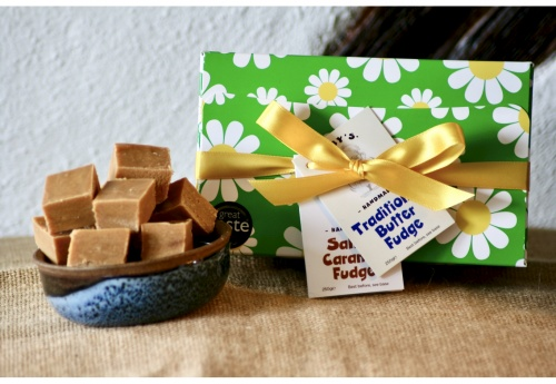 The Daisy Fudge Gift Box (500g)