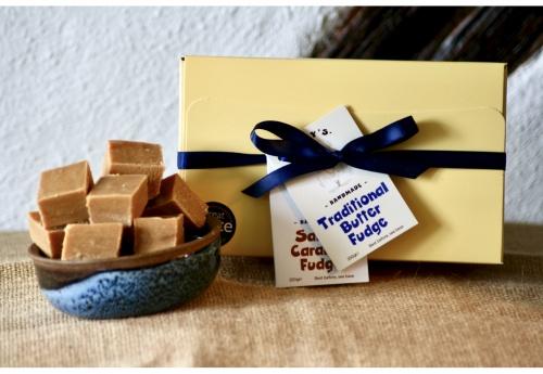 The Classic Fudge Gift Box (500g)