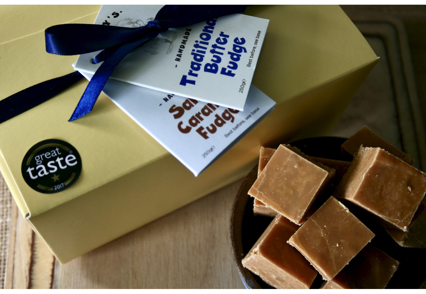 The Classic Fudge Gift Box (500g)