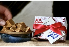 The Christmas Snowflake Fudge Gift Box (125g)